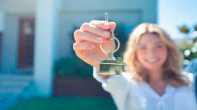 La compra de viviendas por parte de extranjeros caerá un 50% en el segundo semestre