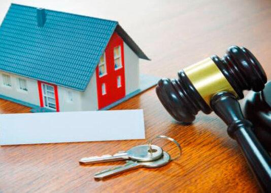 El PSOE y UP negocian la moratoria de desahucios de viviendas